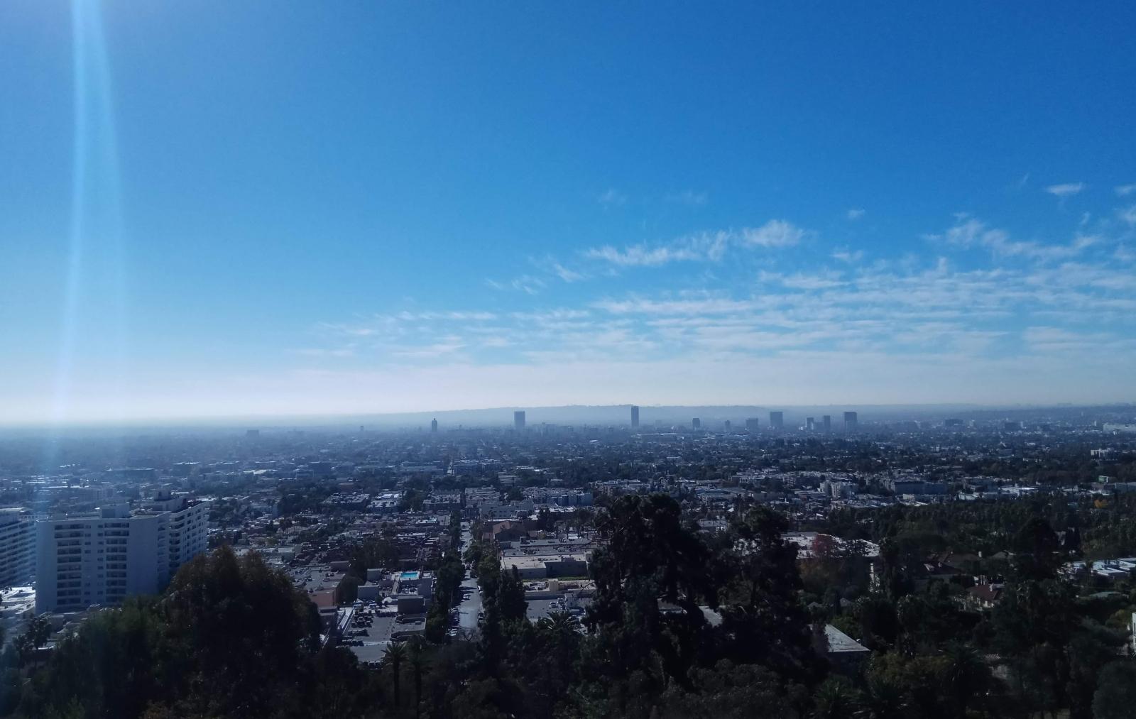 Вид на Лос-Анджелес из парка «Раньон Каньон»
