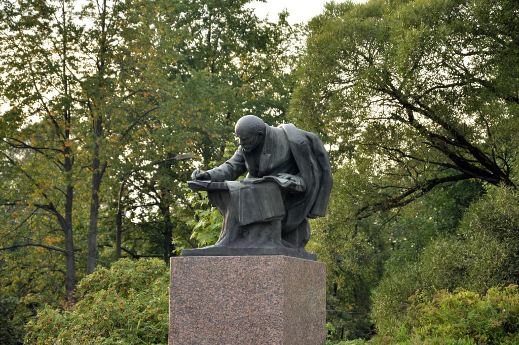 Дедушка Ленин